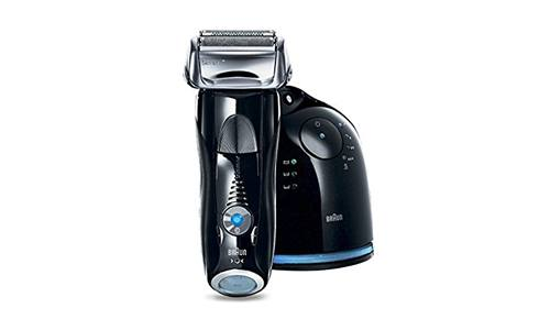 BRAUN presents Series 7 Men's Electric Foil Shaver 760cc with Cordless Shaving System and Charging Station