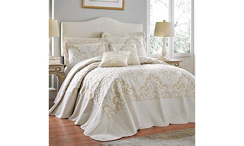 Brylane Home Amelia Bedspread (Ivory, Twin)
