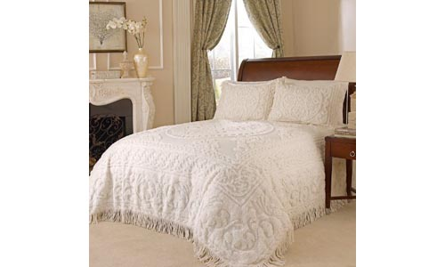 Beatrice Home Fashions Medallion Chenille Bedspread, Twin, Ivory