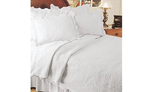 English Rose Matelasse Coverlet, Twin, White